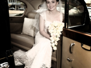 Limousine, beautiful, stunning, Adelaide, tree, photography, bride, photographer, flowers, white, roses, dress, smile, earrings, lace, veil, Australia, cushion, pillow, cars