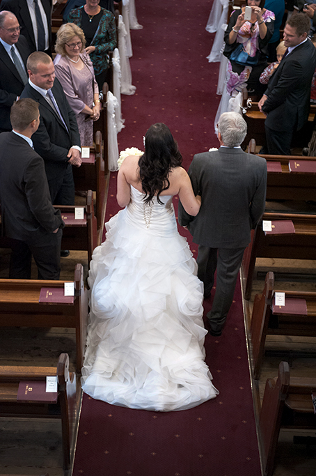 wedding church ceremony bride isle dress white bouquet roses Adelaide photographer guests photography Bethlehem Lutheran Church