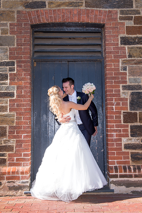 happy, wedding, romantic, Botanic Gardens, Adelaide, South Australia, Australia, bride, groom, dress, suit, tie, flowers, bouquet, photographer, Gainsborough Studio, Photography, Italian