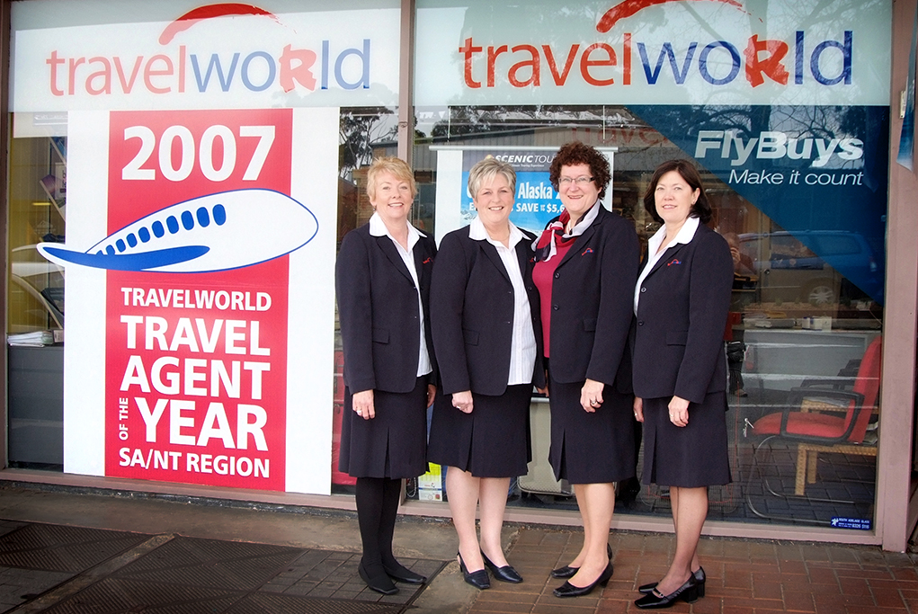 Travel Agent, Travel World, Adelaide, South Australia, corporate location photography, photographer, flybuys, uniform, staff, happy