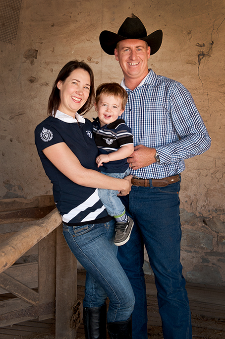 location, photography, country, Adelaide, South Australia, outback, denim jeans, checkers shirt, t-shirt, casual, family, portrait, photographer