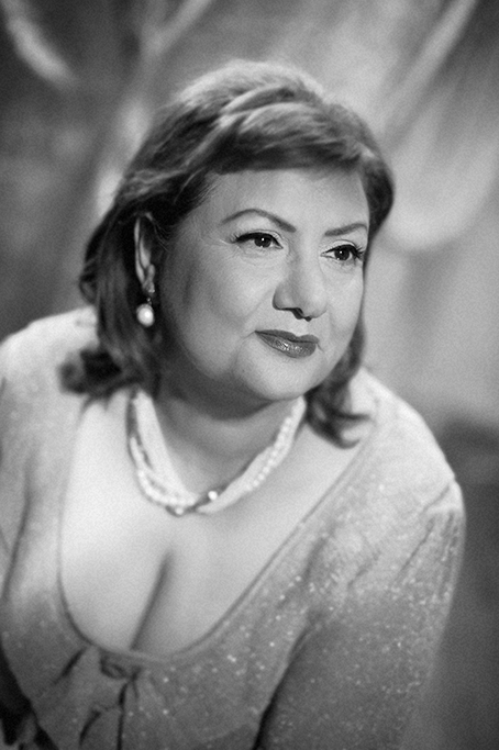 black and white classic hollywood style studio portrait of older lady in the style of the leading ladies of hollywood, glamorous, beautiful elegant sexy, beautiful, stylish