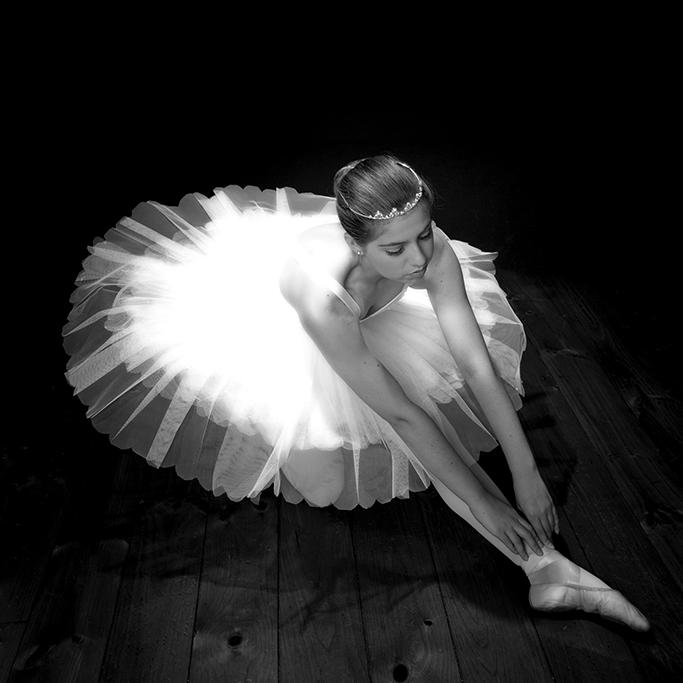 children, kids, girl, beautiful, studio photography, ballet, crown, headband, tulle, dress, photographer, Adelaide, South Australia, black and white