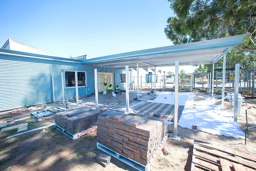 construction, Adelaide, South Australia, Sealy, Elizabeth, tradesmen, brick layer, corporate photography, steel beams, work site,